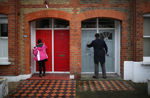 Peter Macdiarmid/Getty Images & Door-to-door canvassing reduces transphobia : Nature News \u0026 Comment