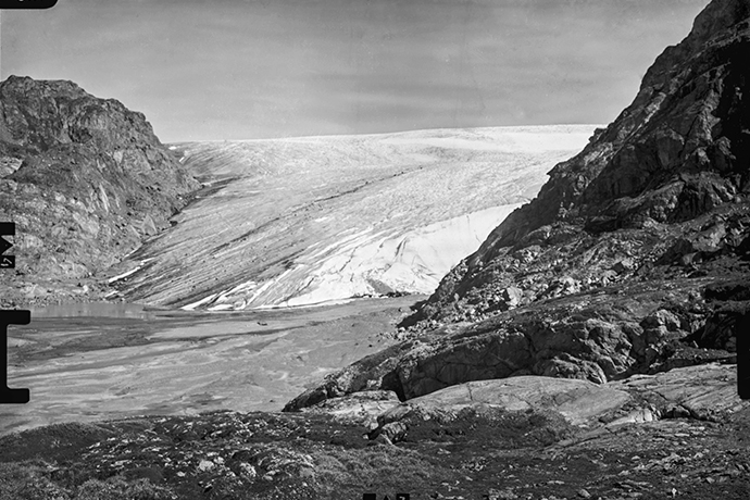 The Mittivakkat Glacier in 1933.