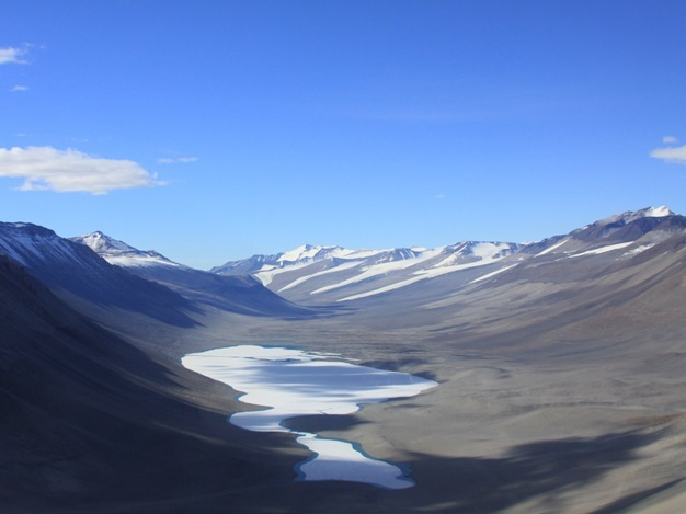 Wright Valley in the McMurdo Dry Valleys, Antarctica (77°31'S, 161°34'E).